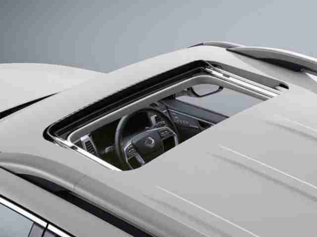 ssangyong rexton sunroof
